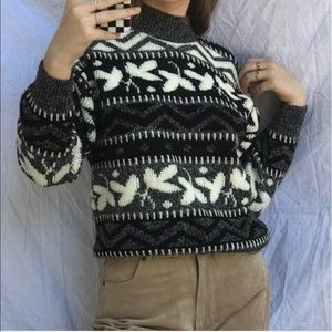 Vintage Black/White Mock Neck Sweater!